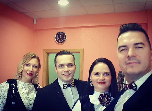 Latvijas svētku priekšpriekšvakarā :) #tirkizband #friends #latvia  #lv100