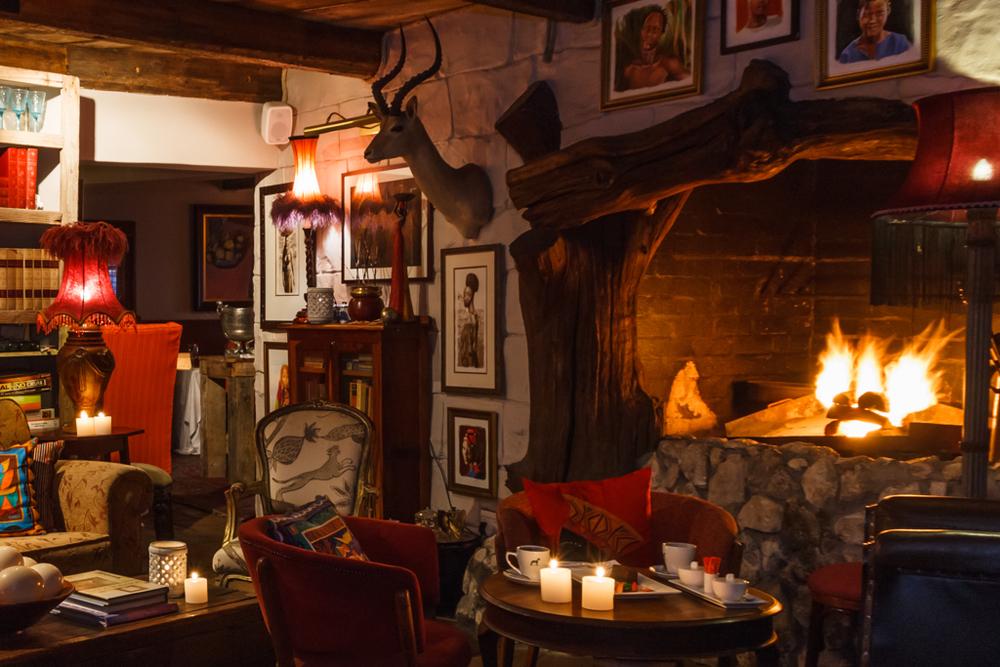 08 Fireplace.jpg