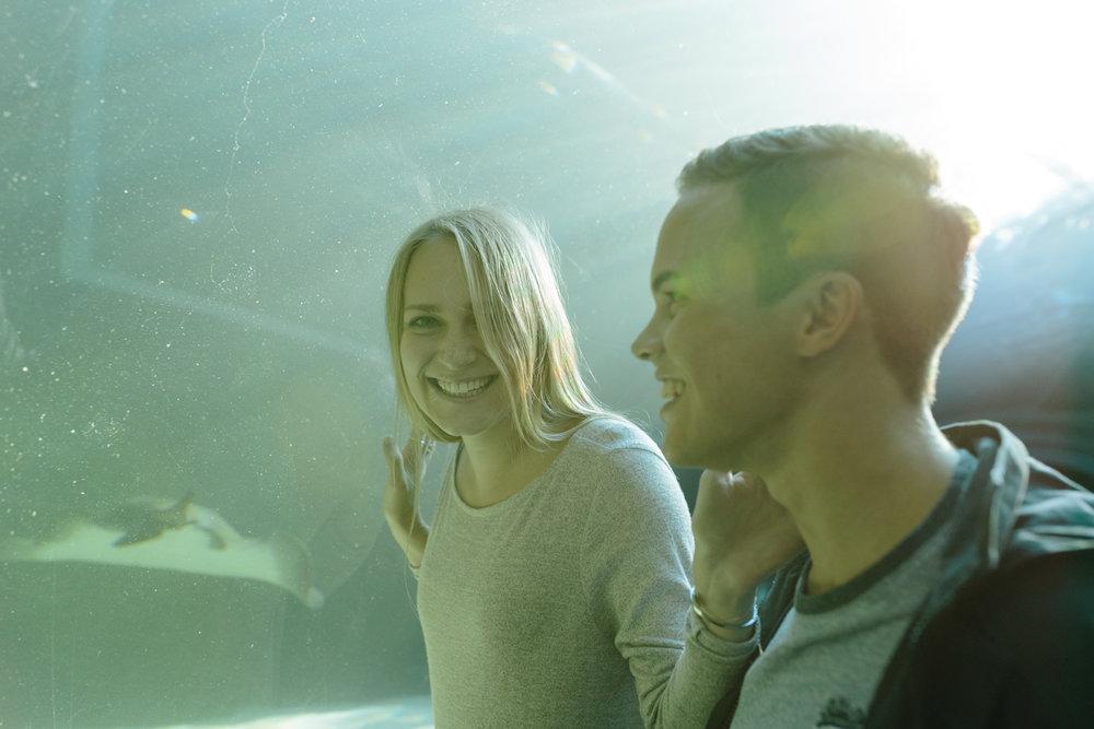 EMILY&PETE_AQUARIUM -4422.JPG