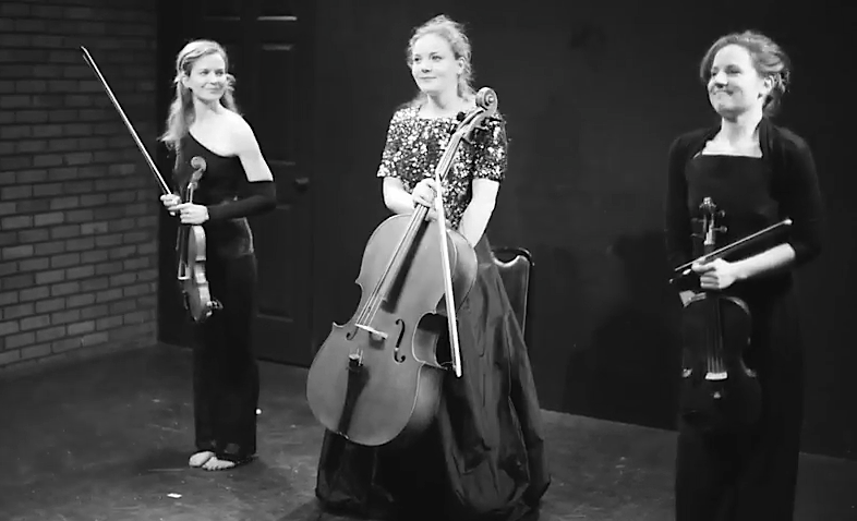 Roseminna Watson (violin) / Victoria Bernath (viola) / Jillian Blythe (cello)