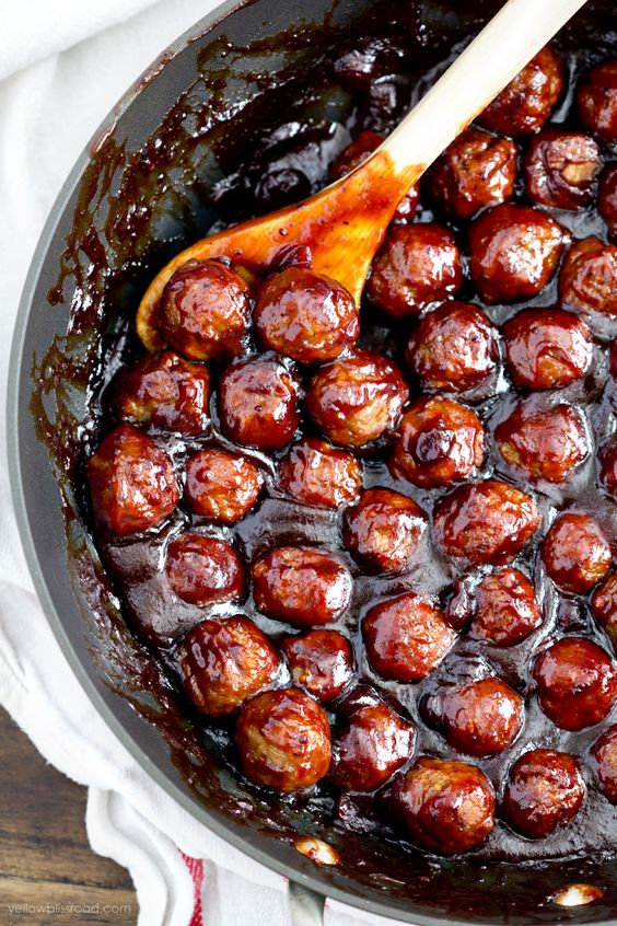 Spicy Cranberry Meatballs  recipe