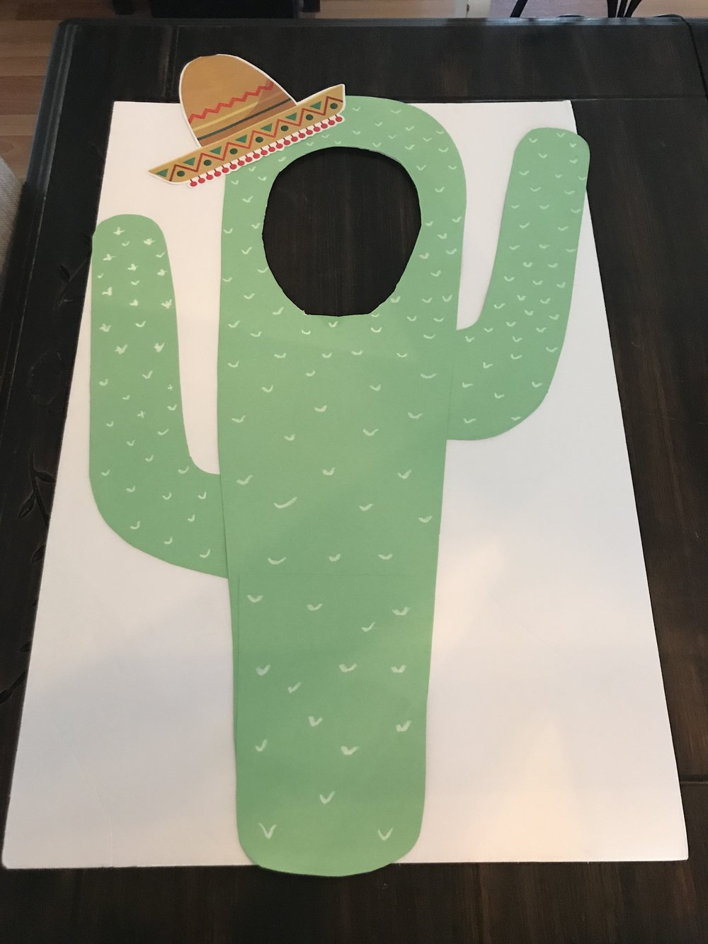 DIY cactus cutout prop for the photobooth