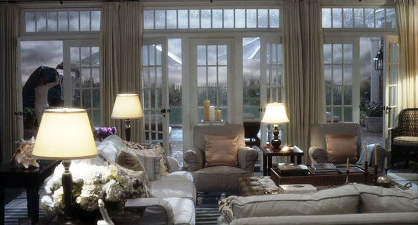 nancy-meyers-movie-houses-somethings-gotta-give-living-room-decor