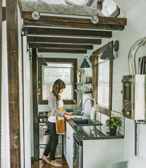 54ea0f8ad5009_-_02-tiny-heirloom-kitchen-0215-xln