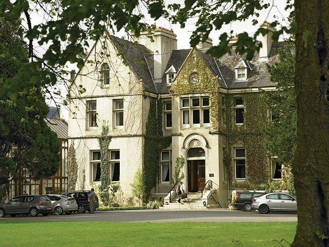 manorhousehotels.com