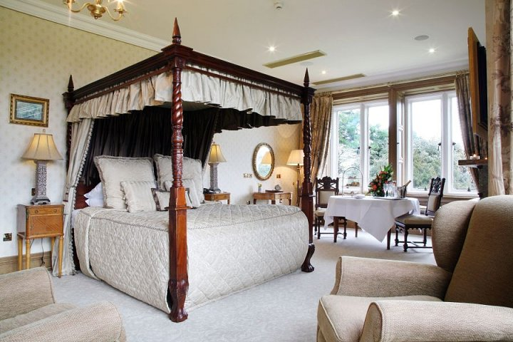 manorhousehotels