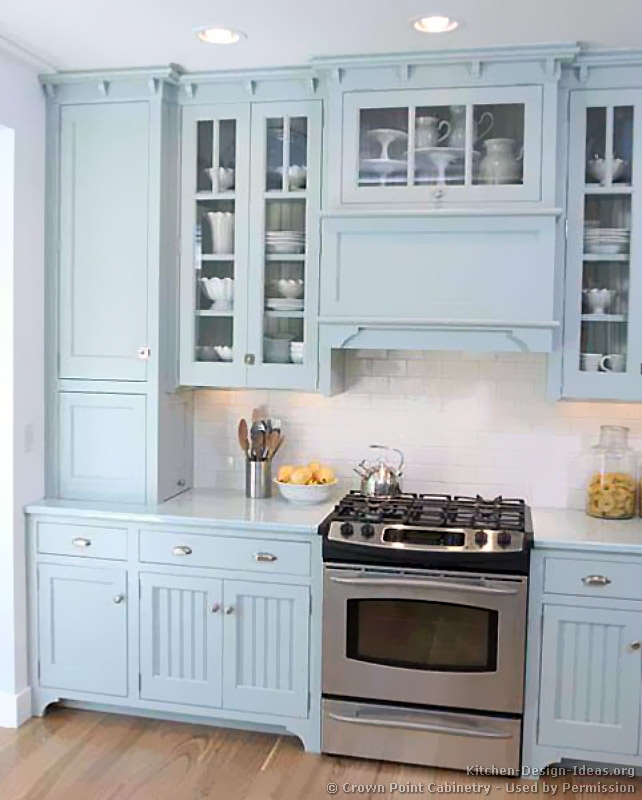 kitchen-cabinets-traditional-blue-003-cp500c-victorian-wood-hood-glass-cabinets-luxury.jpg