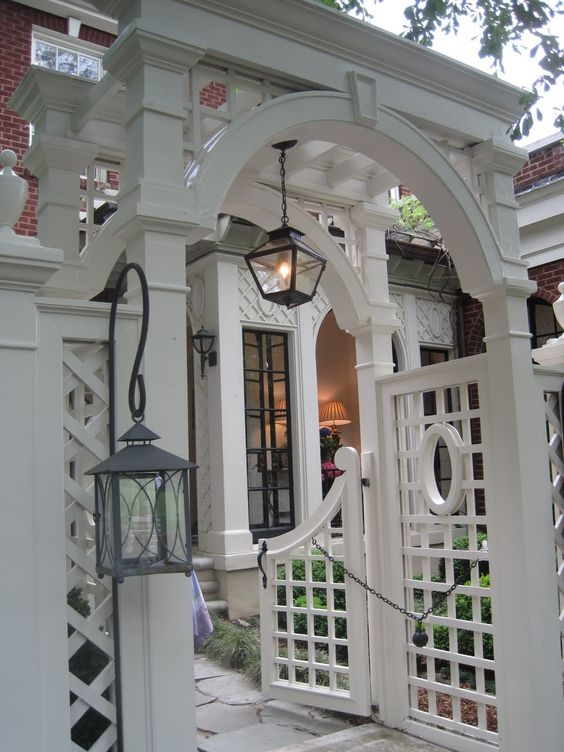 prettyoldhouses.blogspot.com