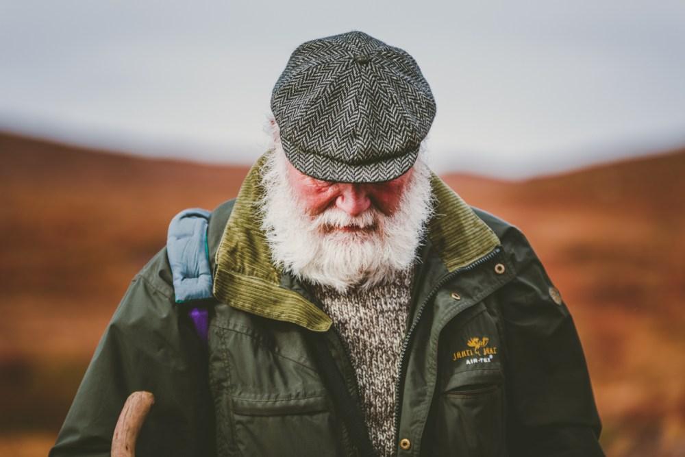 Det här porträttet är fotat under en vandring på Grönland, med ett 70 -200 mm objektiv med en stor bländare, f/2.8. Ibland kan en telezoom vara bra för porträtt då den låter dig komma nära och stör inte personen på bilden.