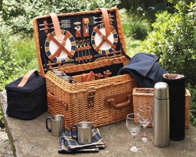 wicker-picnic-basket-c.jpg