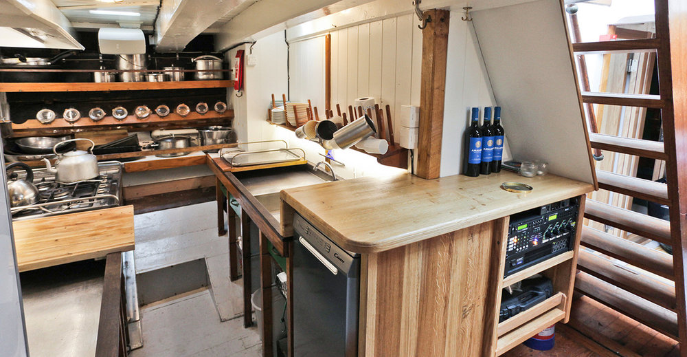 galley-and-companionway (1).jpg