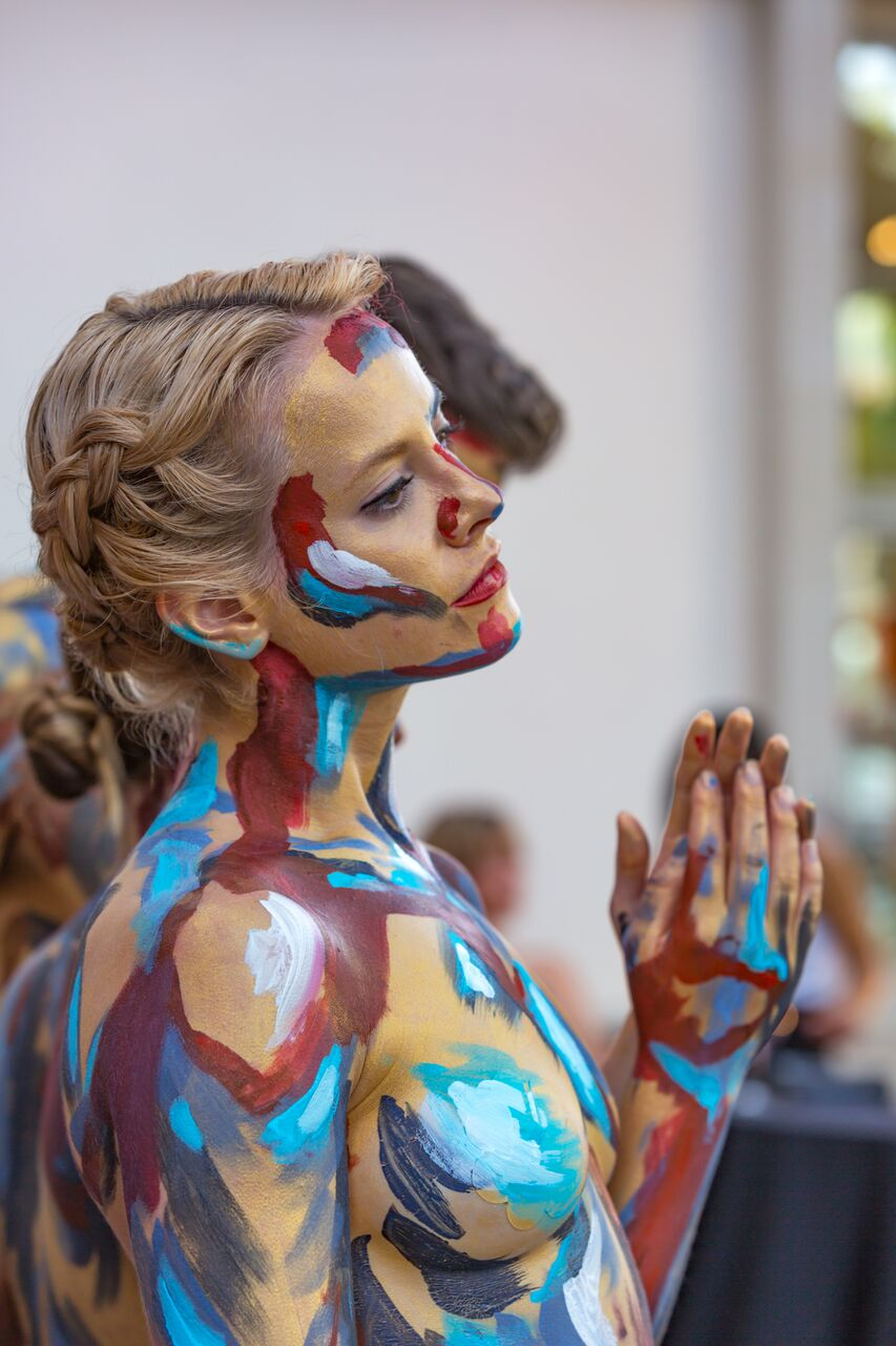 body-painting-portrait-charleston-art-installation