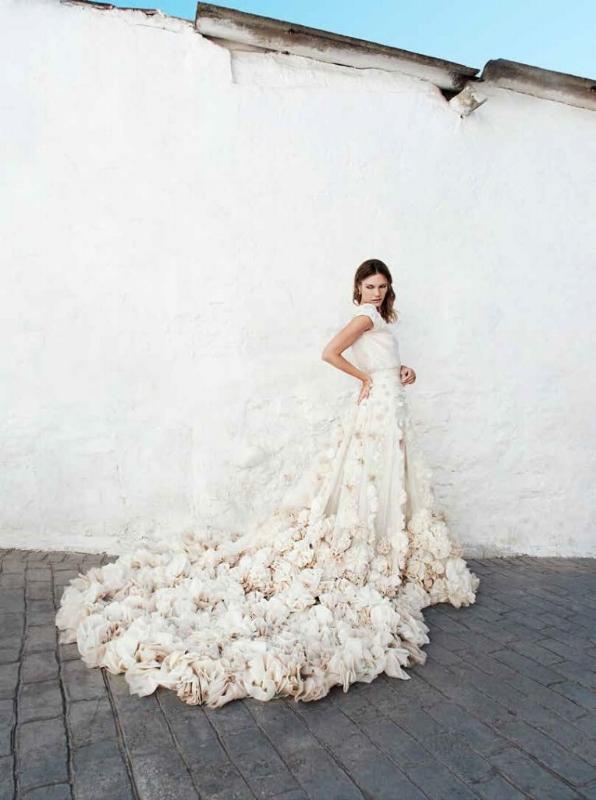 Leila Hafzi Wedding Dresses Confeti Magazine 2.jpg