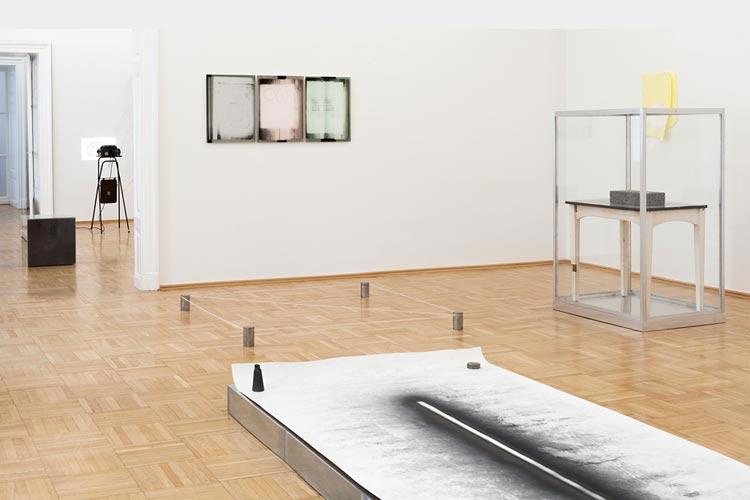 """JOËLLE TUERLINCKX """"LES SALONS PALÉOLITHIQUES"""", Foto: Galerie Nächst St. Stephan"""