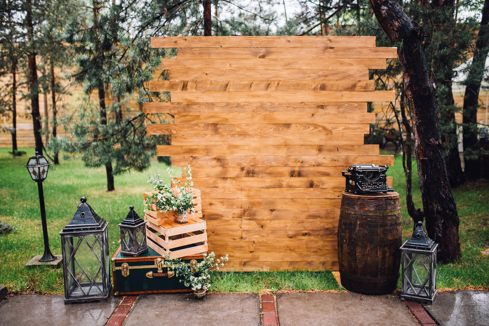 Rustic outdoor photo booth