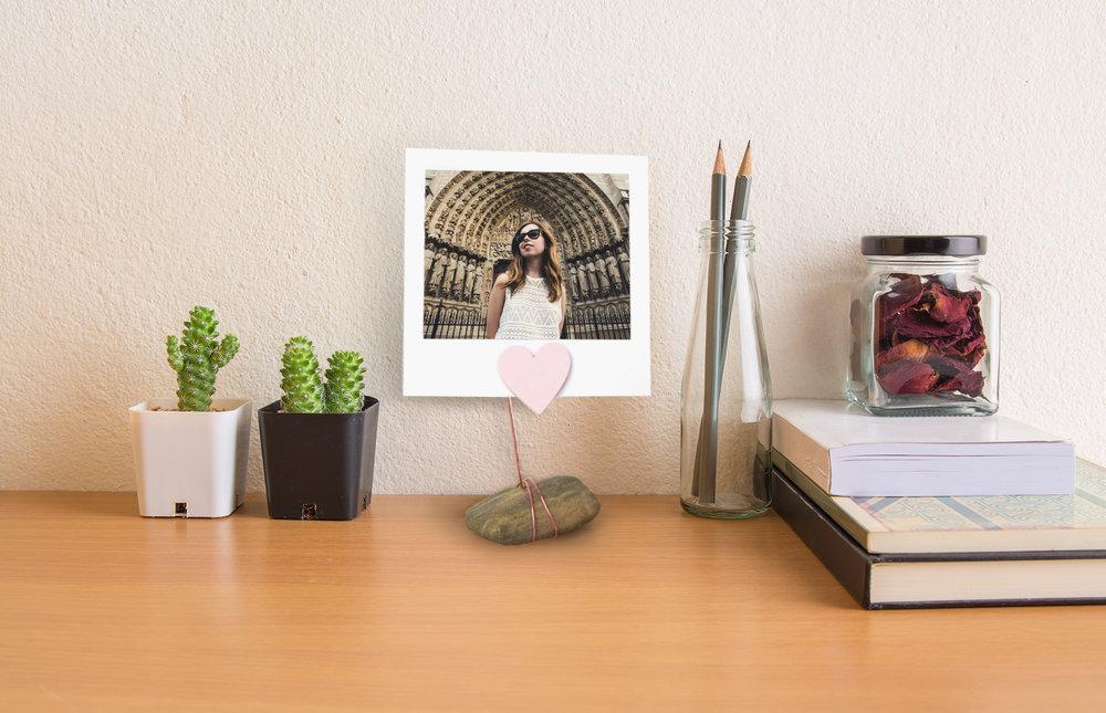DIY Stone Photo Stand