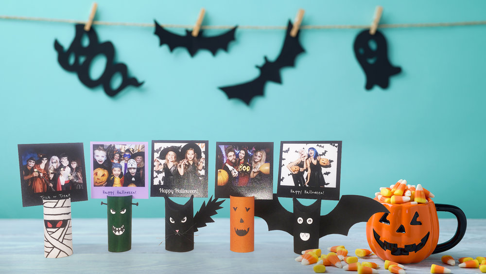 DIY Halloween Decoration Scary Photo Stands