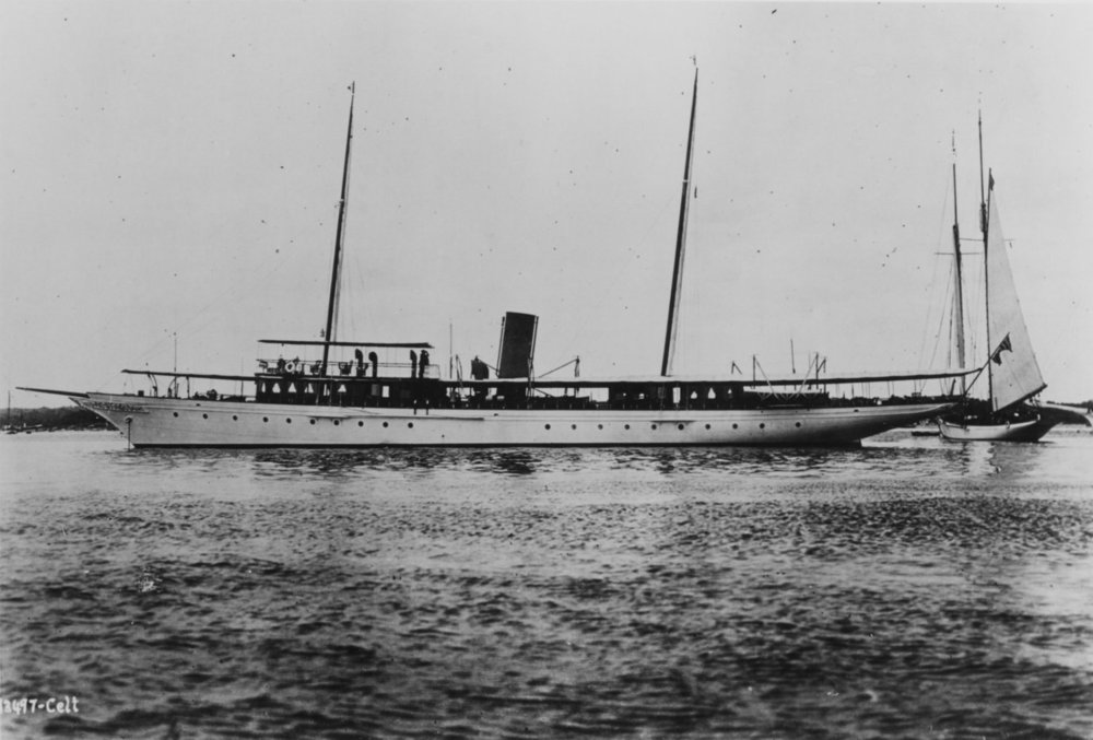 Photo NH 102169from  U.S. Naval Historical Center