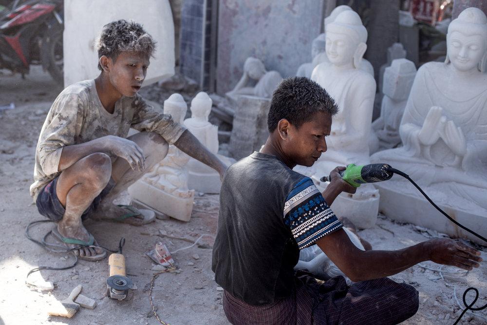 Mandalay Stone Carvers21.jpg
