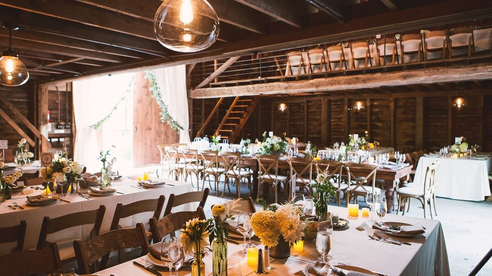 barn photo tablesetting2.jpg