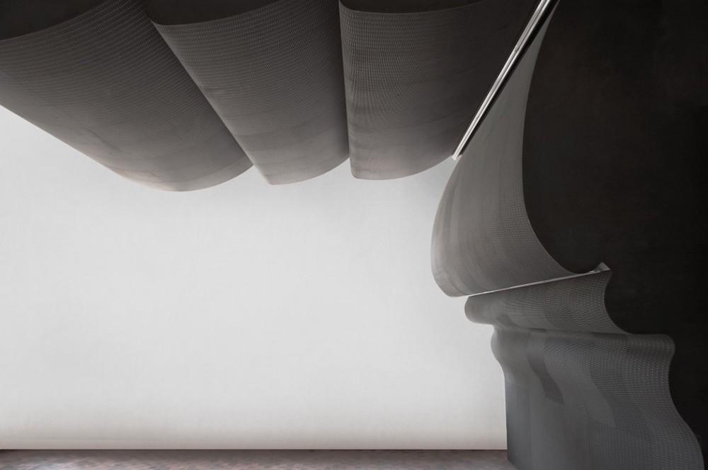 Raumakustik-Schallschutz-Flächensysteme-Dukta-Flexible-Wood-Holzverkleidung-6