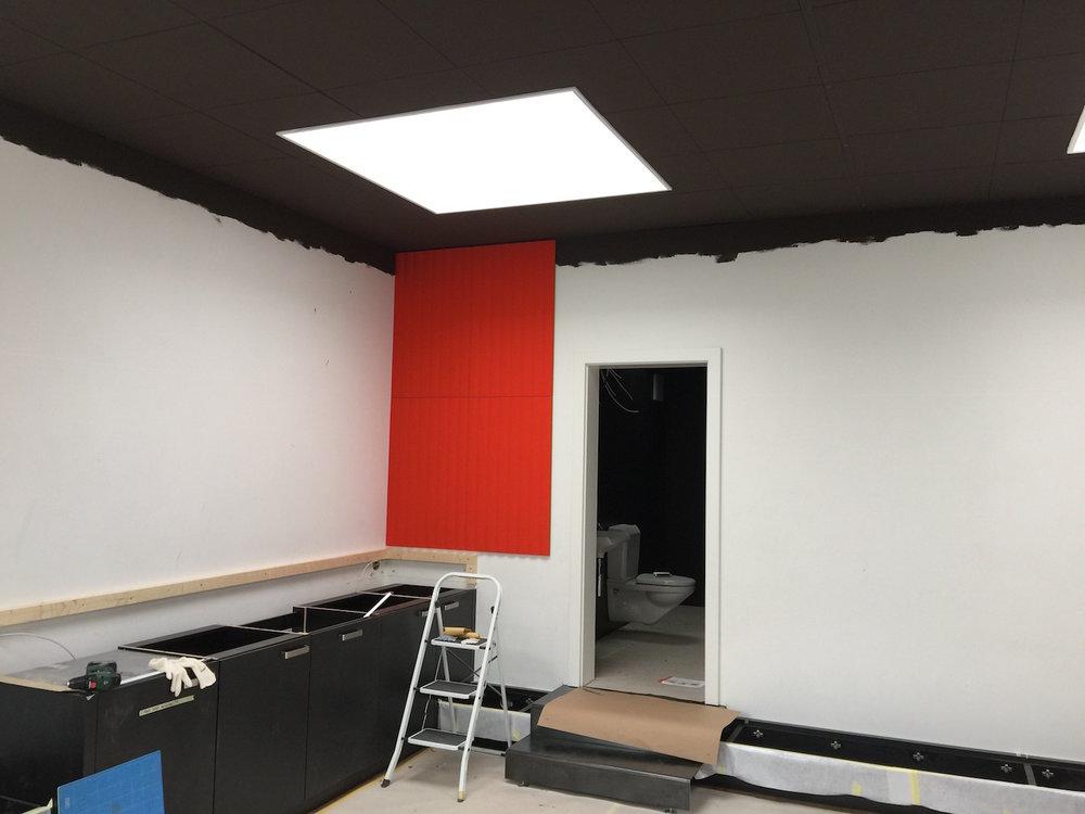 Raumakustik-Schallschutz-Design-Wandabsorber-Johanson-Beehive-Rectangular-Rib-Wall20.jpg