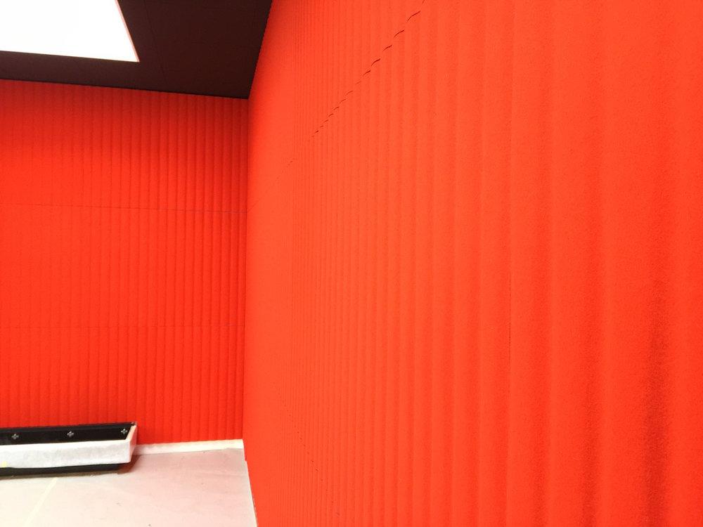 Raumakustik-Schallschutz-Design-Wandabsorber-Johanson-Beehive-Rectangular-Rib-Wall39.jpg