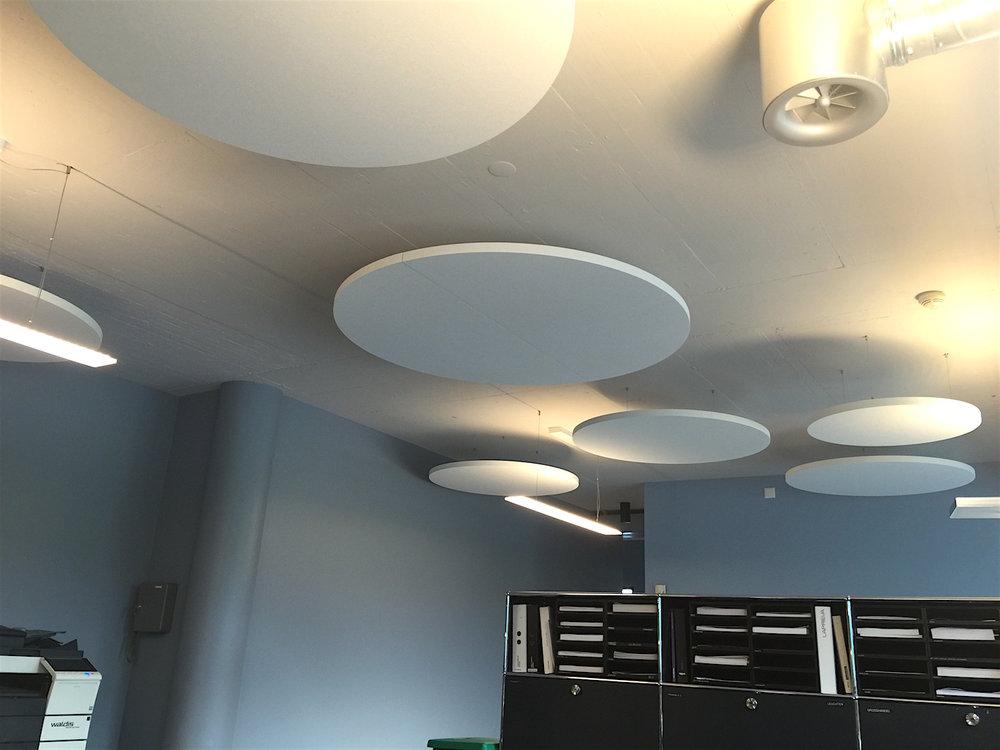 Ecophon Solo® Deckensegel   Für Top-Raumakustik im Mehrpersonenbüro