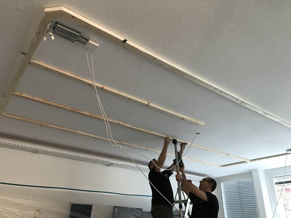 Aufbau der Unterkonstruktion für die EchoPanel Akustikdecke