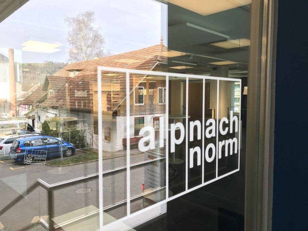 Alpnach Norm Raumakustik Ausstellung Bellton AG Ecophon Solo21.jpg