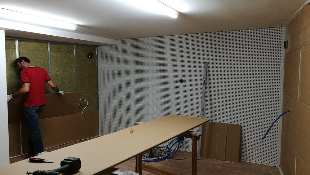 Konstruktion und Bau der Wände in akustischer Perfektion