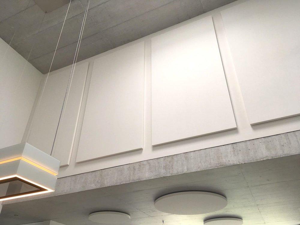Wandabsorber im Atrium: Ecophon Solo
