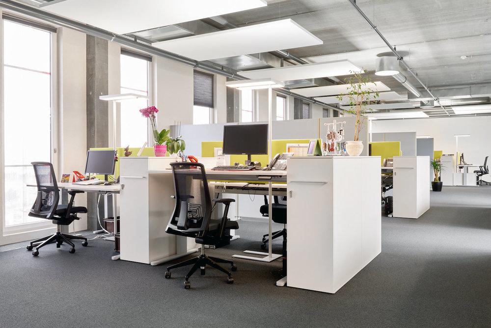 Akustik-Deckensegel in den Büro's der JOWA AG in Volketswil