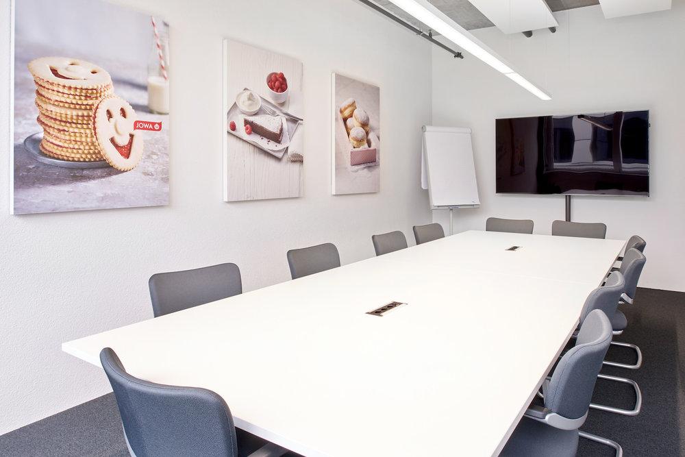 Akustikbilder made by Bellton - im Sitzungsraum der JOWA AG