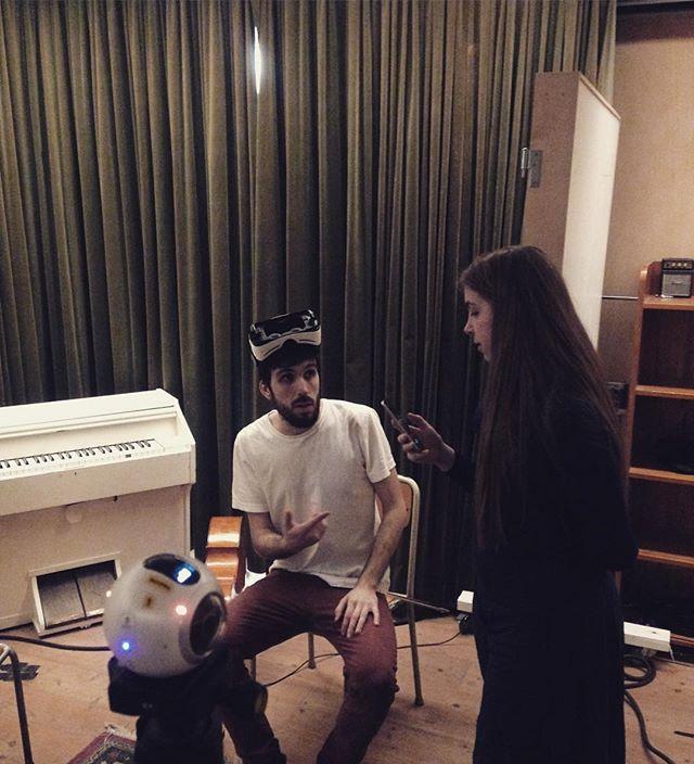 Framtidsmikel och sanna preppar VR-inspelning på tambourine imorgon! #hililihilo #tambourinestudios #boosthbg #commonfire