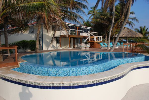 Pool FrLR600.jpg