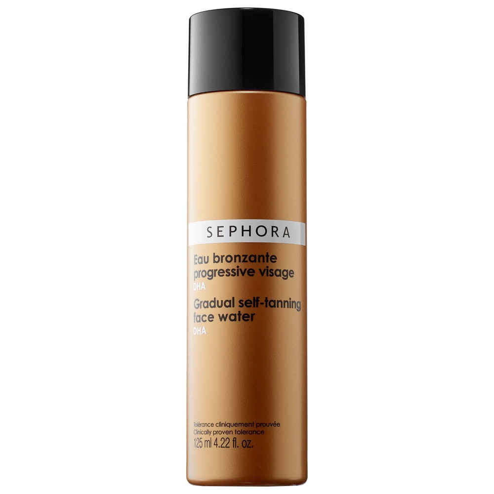 Easy as 1,2,3 this light formula leaves your face non-sticky and non-greasy. I apply each morning for a growing glow that stays put. Sephora Gradual Self-Tanning Face Water
