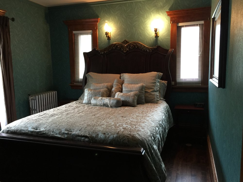 THE QUEEN - This room has a queen sized bed and a walk in closet. There is a shared bathroom right outside the door for easy access. This room belonged to one of the McLeod boys. Each room has cable television, and there is access to free wireless internet.$159/night