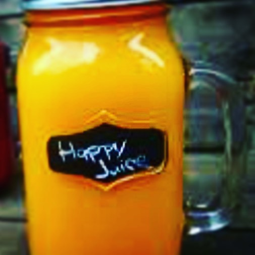 I was feeling kinda cranky the other day so I made some of this in my juicer and it was awesome!!! A whole lemon, 1 apple, 3 celery stalks, 3 carrots and a nub of ginger! YUM!!!! #byebyecrankypants #happyjuice #liverightyogabarre #liverightwellness #veggielife