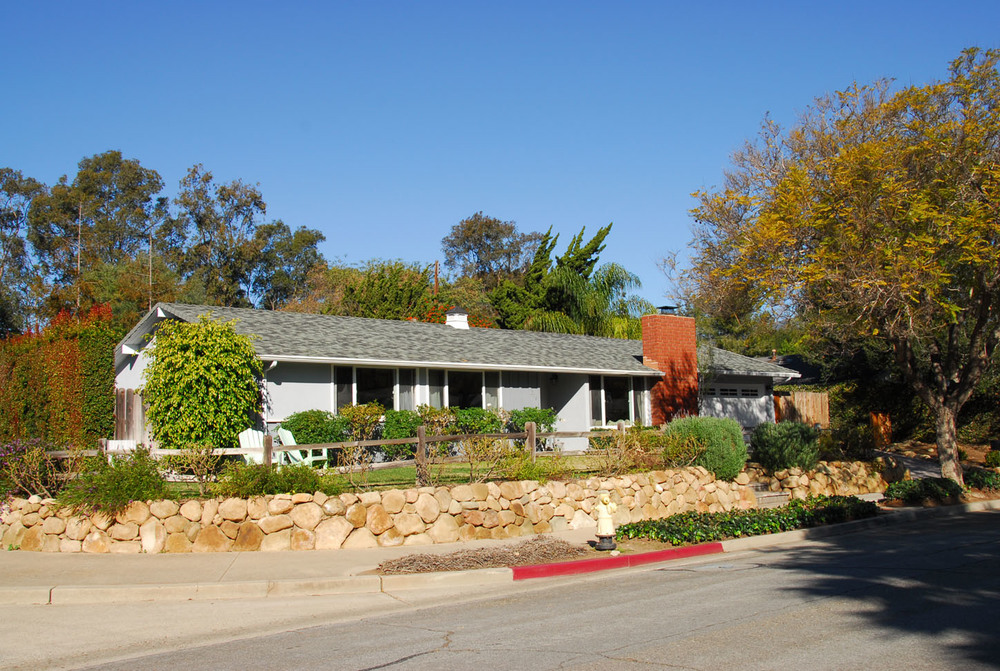 SOLD: $979,000  Represented Seller  316 Peach Grove Lane, Santa Barbara, CA 93015 3 beds 2.5 baths 1,650 sqft