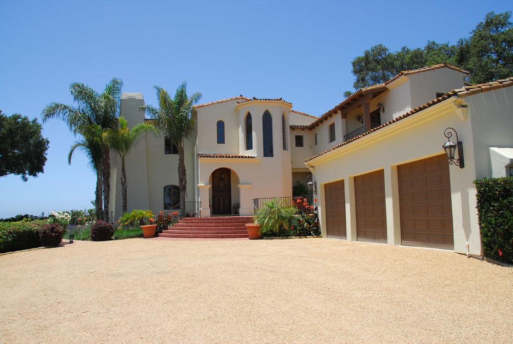 SOLD:  $5,795,000   Represented Seller    840 Cima Linda Lane  Montecito, CA 93108