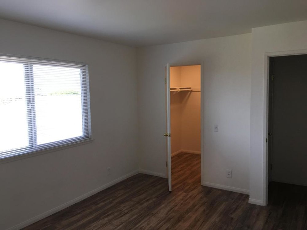 5985HickoryStreet_2_Bedroom_closet.jpg