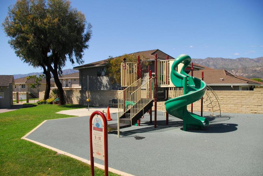 5985HickoryStreet_2_playground.jpg