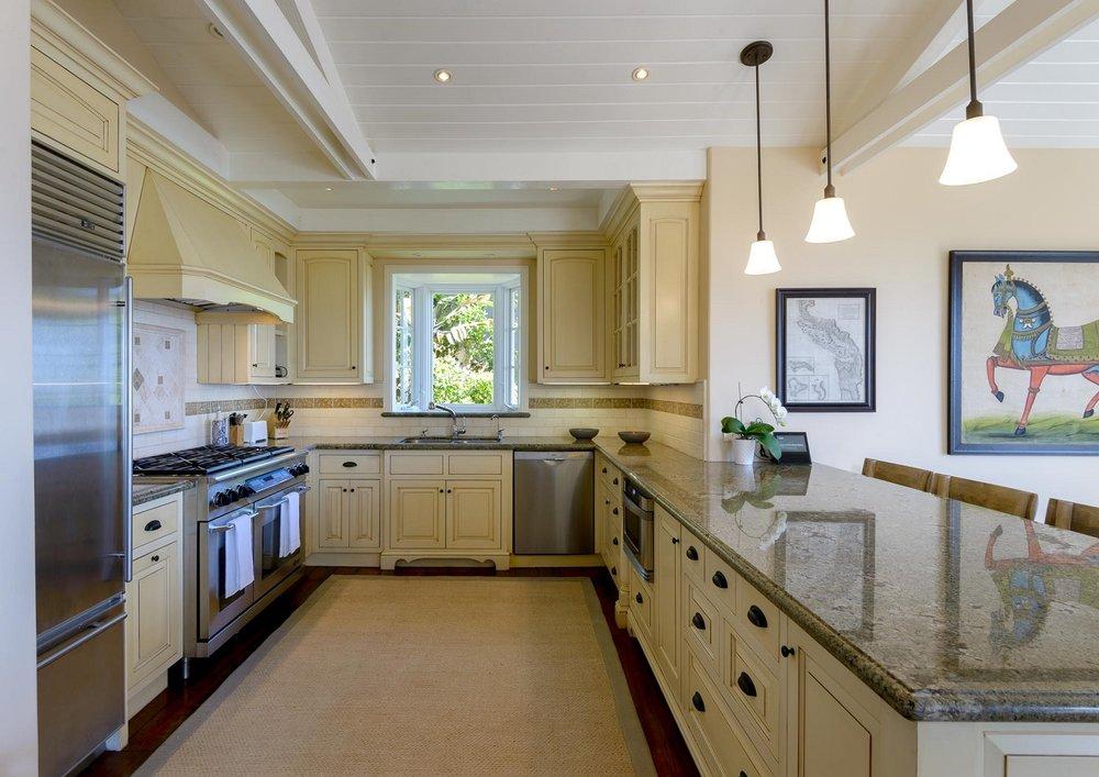 2425WhitneyAve_Kitchen.jpg