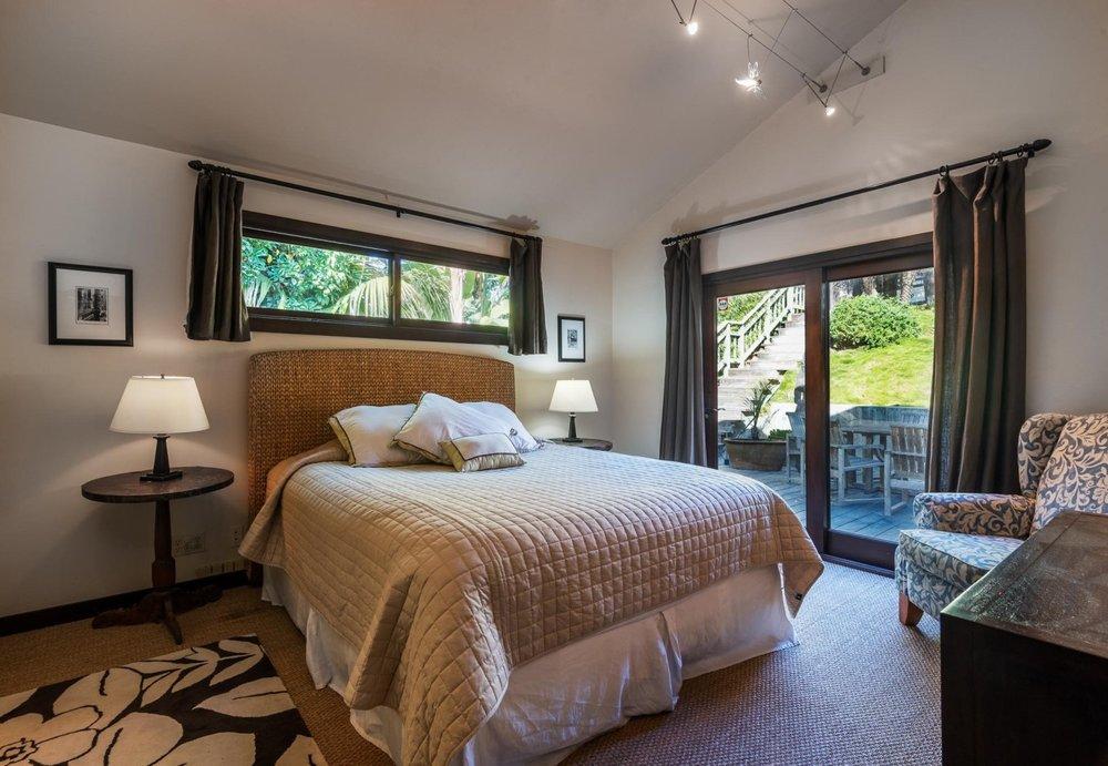 2521WhitneyAve_Bedroom2.jpg