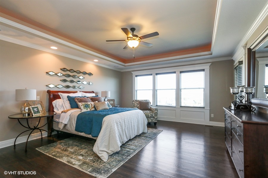 13_217SWRooseveltRidge_14_MasterBedroom_LowRes.jpg
