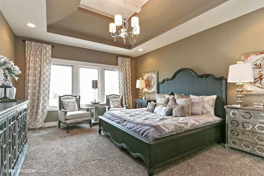 14_225SWRooseveltRidge_14_MasterBedroom_LowRes.jpg