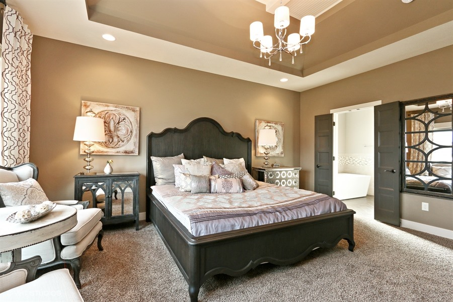15_225SWRooseveltRidge_178_MasterBedroom_LowRes.jpg