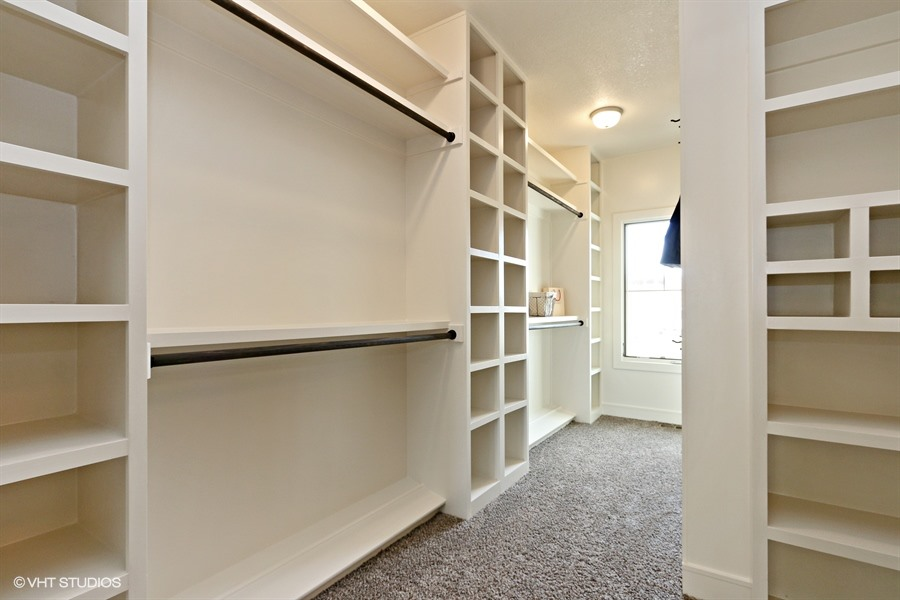 18_225SWRooseveltRidge_45_MasterBedroomCloset_LowRes.jpg