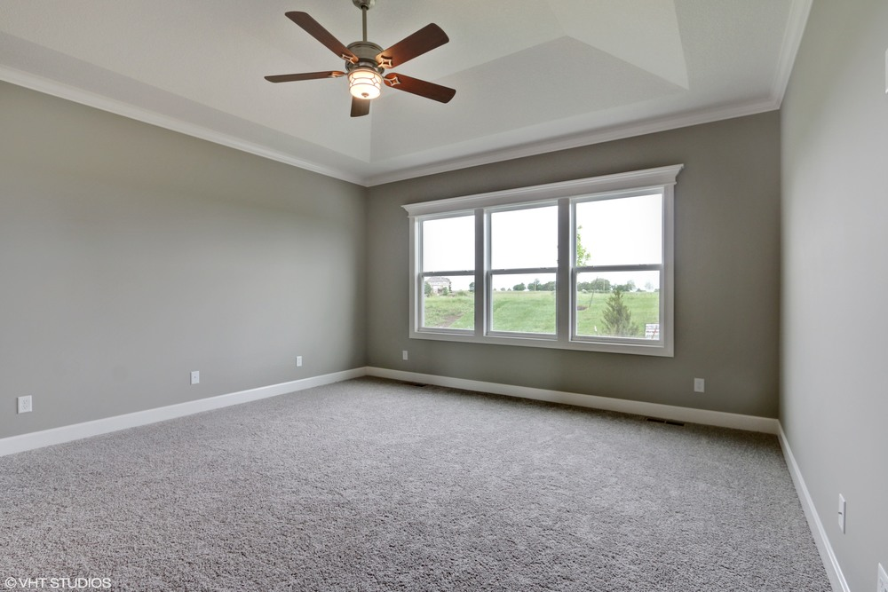 15_190SWRooseveltRidge_14_MasterBedroom_HiRes.jpg